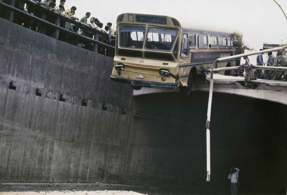Enrique Metinides: Untitled (Bus falling off the edge of a viaduct), 1971