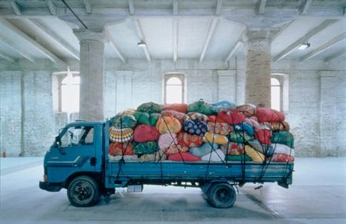 Kimsooja, Bottari Truck, 1997