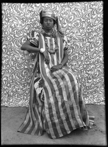 Seydou Keïta: Untitled (No. 305), 1956